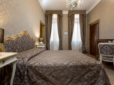 Camera Tripla Hotel Mezzo Pozzo in Centro a Venezia